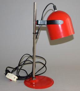 STARA RETRO STOLNI LAMPA CERVENY LAK CHROM LAMPICKA