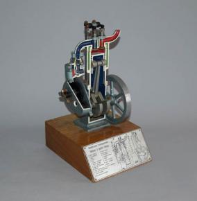 stara skolni pomucka pro autoskoly 3d model rez benzinovym motorem ctyrdoby motor