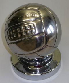 starozitny fotbalovy mic balon kopacak madar chrom s venovanim