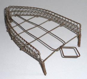 starozitny drateny stojan pod zehlicku