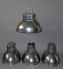 STARE PRUMYSL INDUSTRIAL LAMPA LUSTR SVITIDLO PONORKA PREDOM MESKO POLAND SPECTRE JAMES BOND OMEGA HALOVE LAMPY