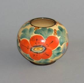 starozitna vaza koule kvety keramika vazicka luhacovice