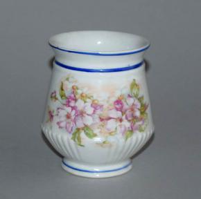 starozitny hrnek muslak kvety modre linky porcelan